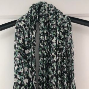 Brand new with tags scarf with print